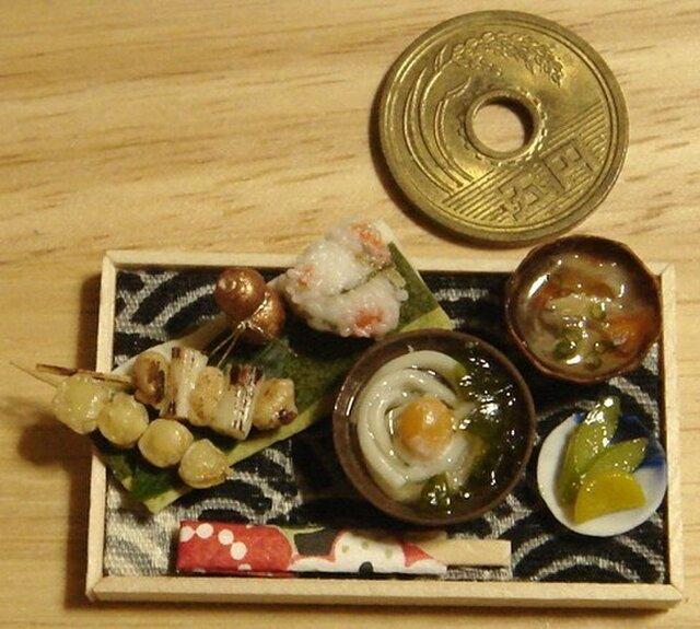 ★月見うどん&串と鮭おにぎり・ブロンズひょうたんの画像1枚目