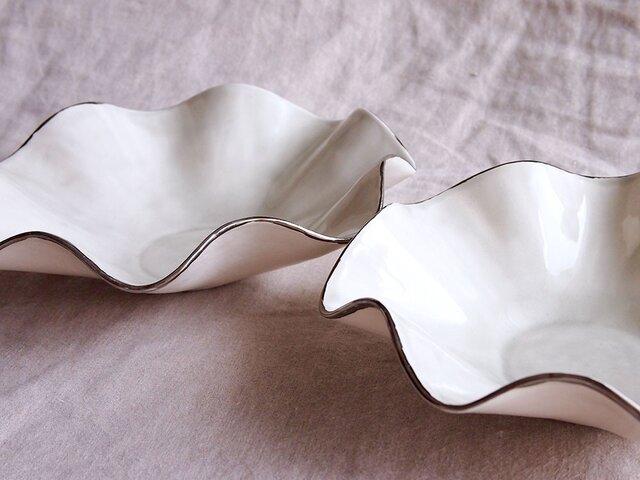 銀彩の重ね鉢の画像1枚目