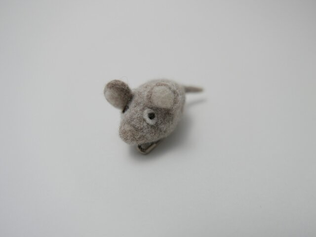 鼠 ブローチの画像1枚目