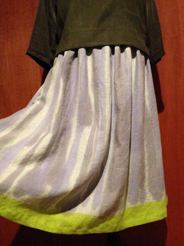 手描き染め 日本製リネンスカート▫︎鶸色を裾に。。。▫︎受注制作▫︎の画像1枚目
