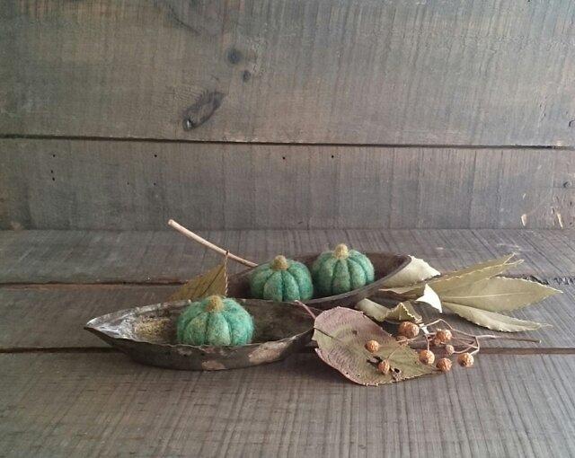 羊毛フェルトのハロウィンかぼちゃ(グリーン)の画像1枚目