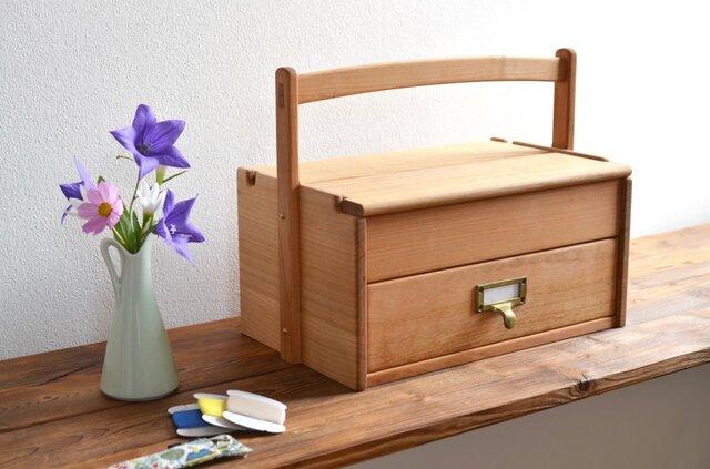 ヤマザクラの裁縫箱の画像1枚目