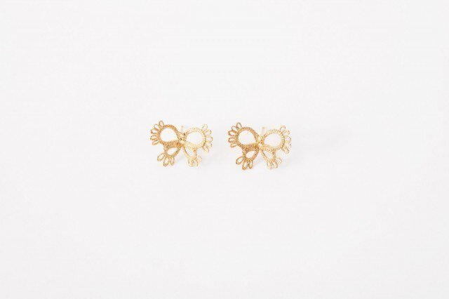 Lace pierced earring Butterfly goldの画像1枚目