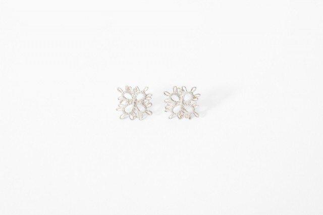 Lace pierced earring Clover silverの画像1枚目
