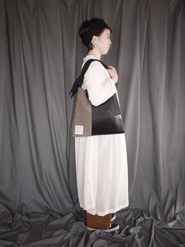 墨染め patchwork bag M (千鳥柄カーテン)の画像1枚目