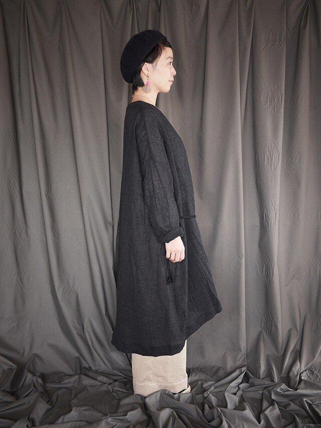 wool gauze onepiece <darkdark gray>の画像1枚目