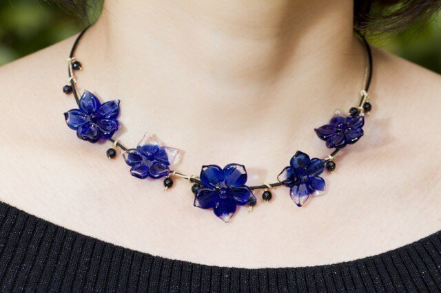 blue flowers necklaceの画像1枚目