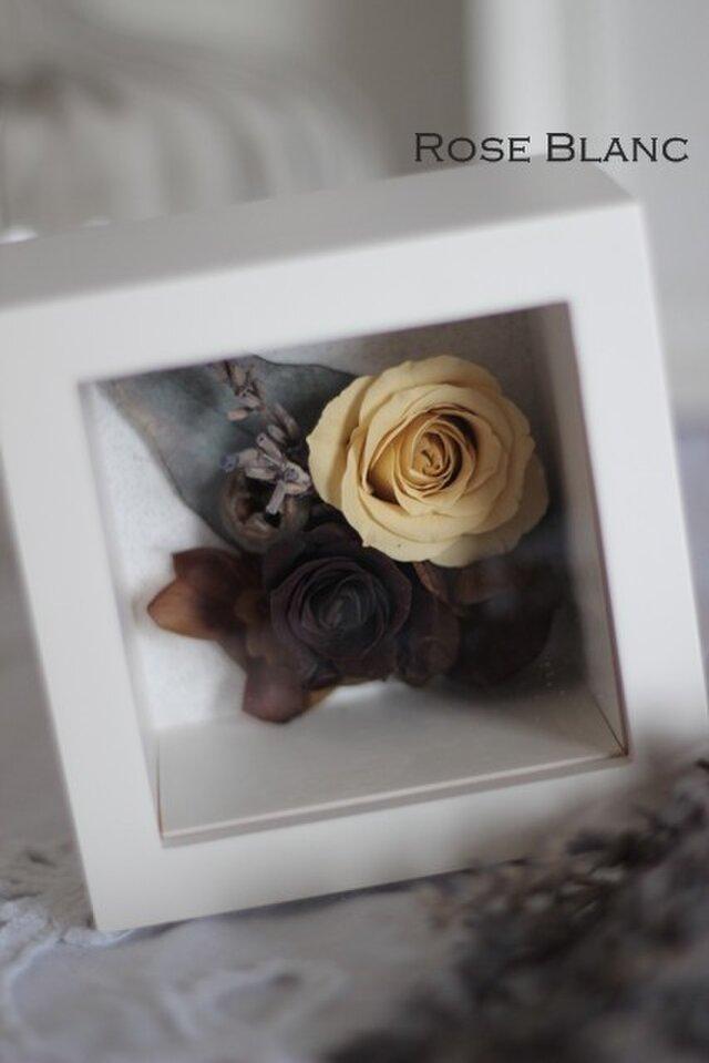プリザーブドフラワー 母の日のプレゼント BOXアレンジの画像1枚目