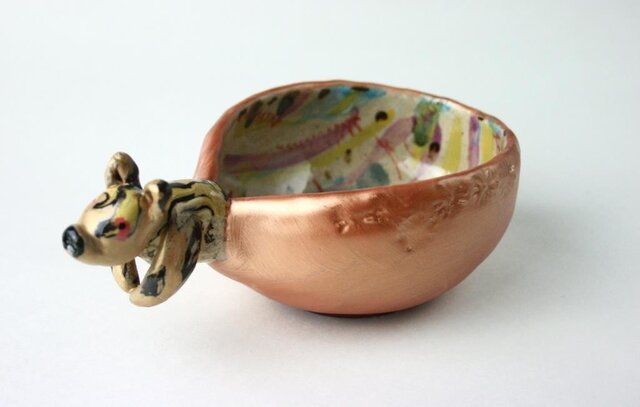 トラのボウル /可愛い子供食器 /陶器 /陶芸家 /キッズ食器 /ゴールド/cute ceramicの画像1枚目