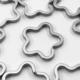 送料無料 平キーリング フラワー シルバー 10個 銀色 花 キーリング 二重リング キーホルダーパーツ AP1000の画像